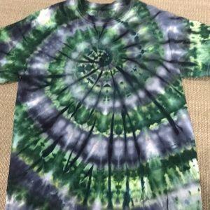 Gildan medium tie dye shirt